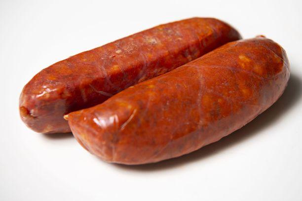 Chorizo-makkarassa on säilöntäaineita E250 ja E252. Sadassa grammassa on energiaa 433 kcal, rasvaa 41 grammaa, josta tyydyttynyttä rasvaa 15 grammaa. Proteiinia on 15 grammaa ja suolaa 2,9 grammaa.