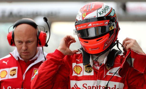 Kimi Räikkönen kuittasi MTV:n haastattelupisteen nopeasti.