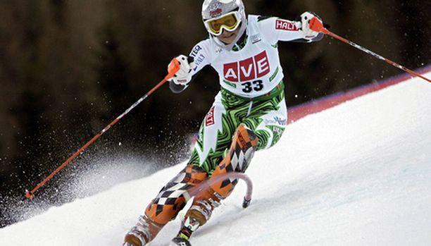 Tanja Poutiainen laski kaksi laskua aikaan 1.48,52.