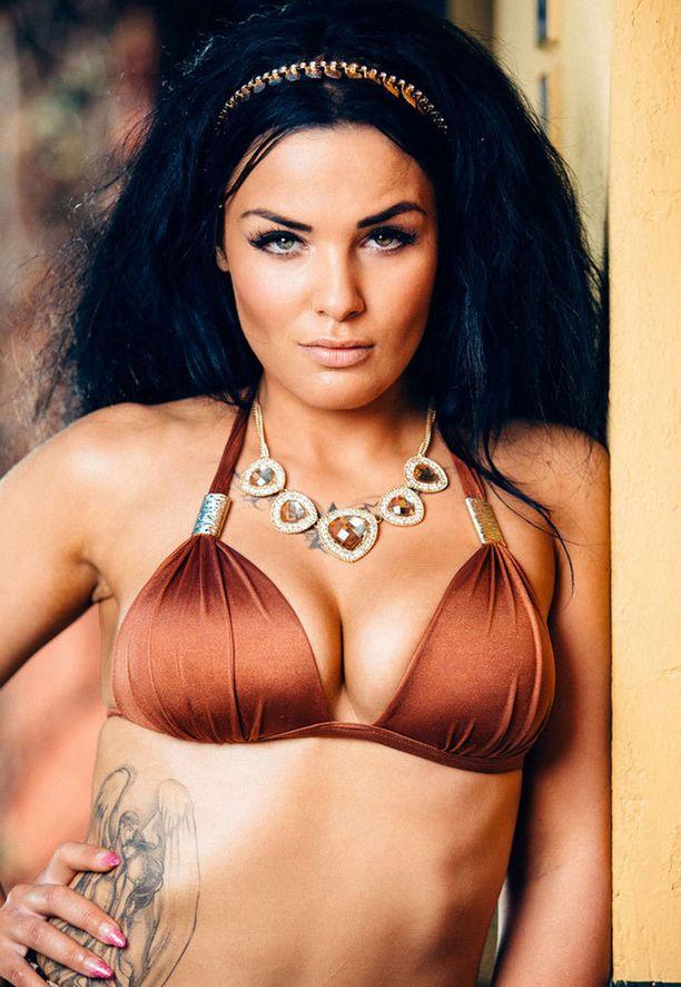 Nadia Ammoudi oli mukana Nelosen Paratiisihotelli-sarjassa viime syksynä.