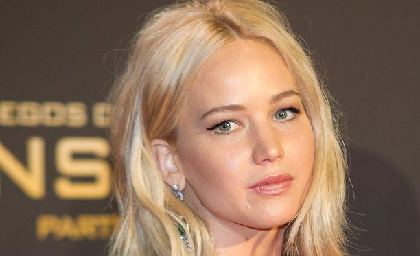 """Näyttelijä Jennifer Lawrence ei ole vähään aikaan päässyt treffeille. Hän toivoo löytävänsä vielä """"sen oikean""""."""