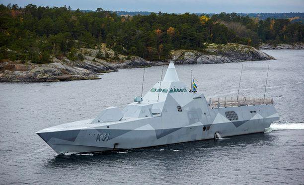 Visby-luokan korvetti HMS Visby osallistui etsintäoperaatioon Tukholman saaristossa sunnuntaina.
