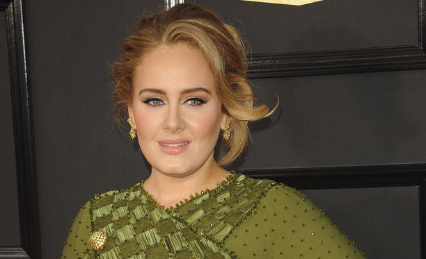 Adele on rakastettu laulaja. Tänä vuonna hänet palkittiin viidellä Grammylla 25-albumistaan.
