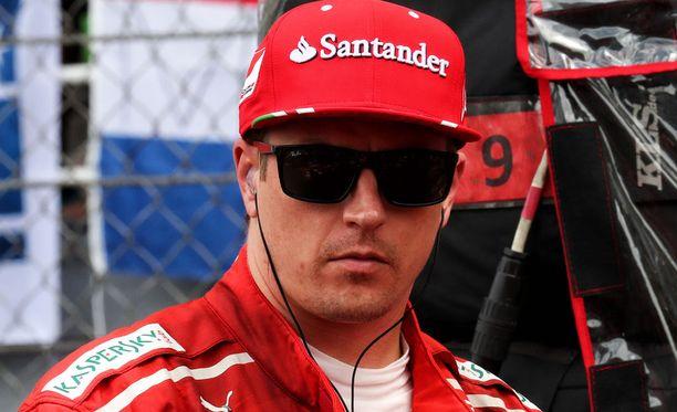 Kimi Räikkönen möhli itselleen viiden lähtöruudun rangaistuksen.