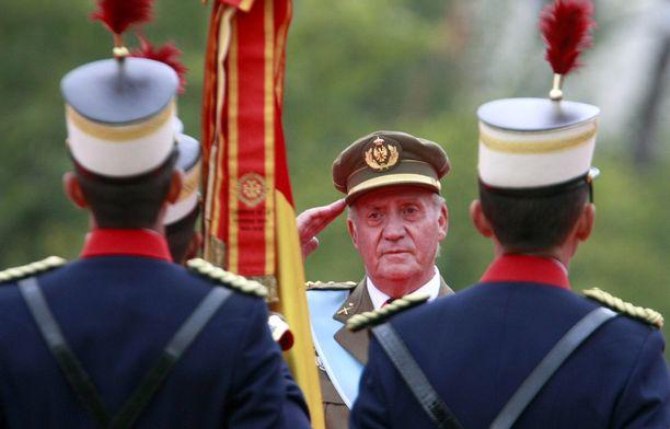 Juan Carlos luopui kruunusta poikansa Felipen hyväksi vuonna 2014.
