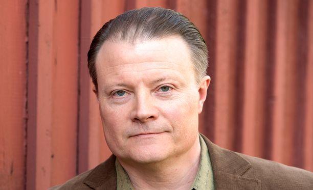Kari Hietalahti on yksi lukijoiden suosikeista päärooliin.