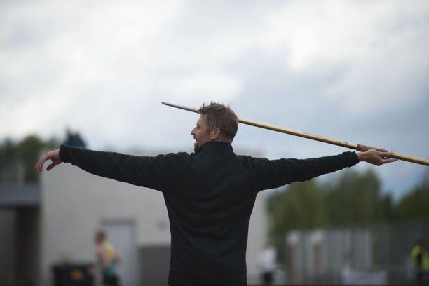Antti Ruuskanen palasi kilpakentille Oulussa.