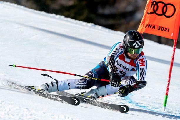 Samu Torsti vauhdissa Cortina d Ampezzon MM-rinteessä alkuvuonna. Ensi viikolla Vasa Skidclubbin mies on taas suksilla.