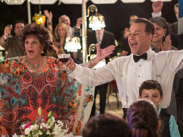 Kazan nähtiin äidin roolissa Kreikkalainen naimakauppa -elokuvassa ja sen vuonna 2016 ilmestyneessä jatko-osassa.