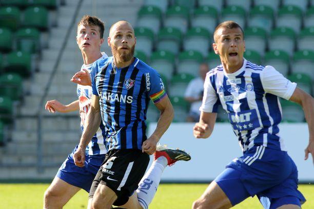 HJK:n Daniel O'Shaughnessy ja Ivan Ostojic eivät saaneet Interin Timo Furuholmia kuriin.