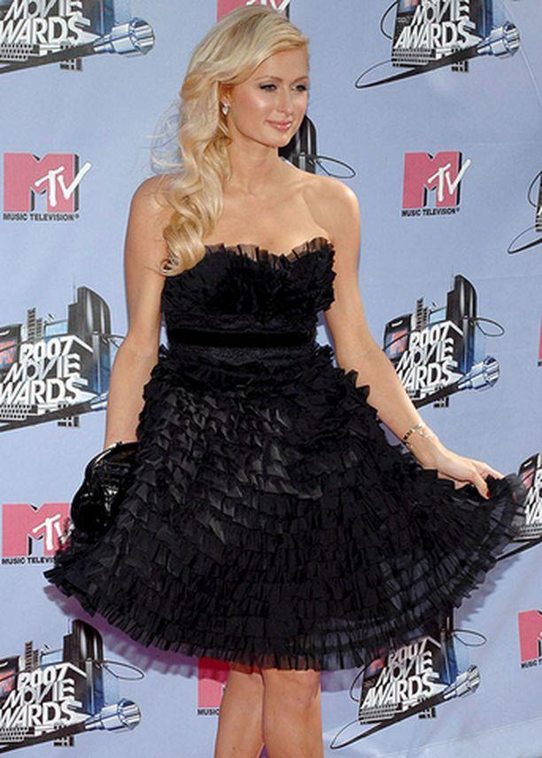 Paris Hiltonista liikkuu hurjia huhuja.