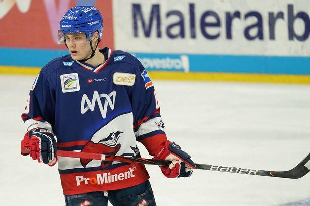 Tim Stützle on Saksan joukkueen kirkain tähti.
