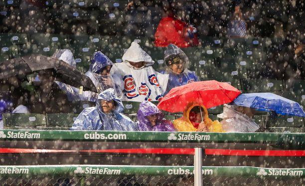 Chicago Cubsin pelissä satoi oikeasti.