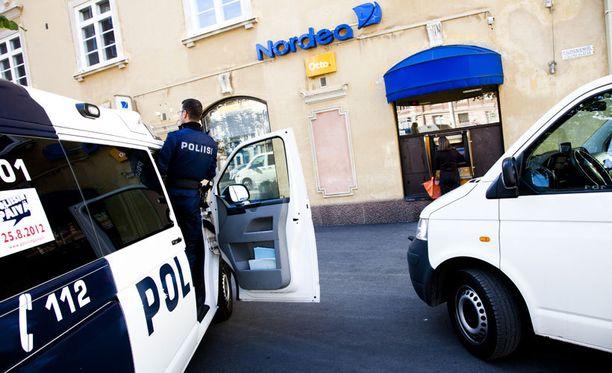 Museokadun Nordean konttori ryöstettiin eilen noin kello 14:n aikaan.