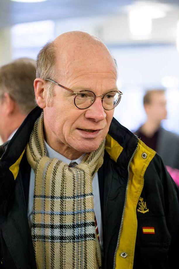 Kimmo Sasi ehti olla eduskunnassa 32 vuotta.