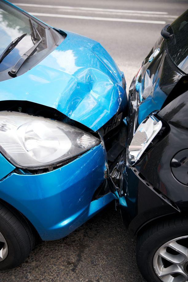 Vuositasolla tammi-heinäkuussa tieliikenteessä on kuollut 127 ihmistä. Viime vuoden vastaava luku oli 122. Kuvituskuva.