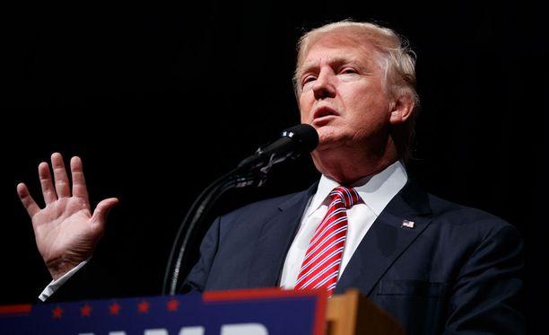 Republikaanien presidenttiehdokas Donald Trump ei tue edustajainhuoneen puhemiestä Paul Ryania eikä kokenutta senaattoria John McCainia tulevissa vaaleissa.