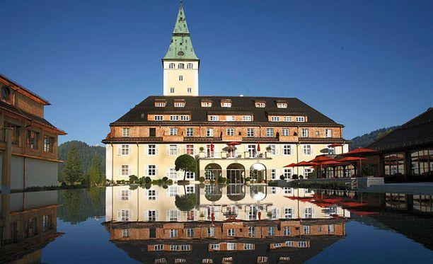 G7-johtajat tapaavat Schloss Elmaun viiden tähden hotellissa lähellä Itävallan rajaa.