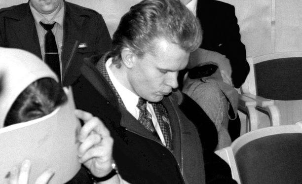 Jere Karalahti käräjäoikeudessa vuonna 1997.
