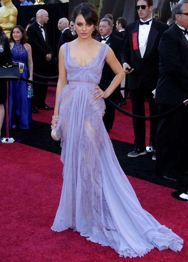 Mila oli yksi Oscar-gaalan kuvatuimmista kaunottarista laventelinvärisessä iltapuvussaan.