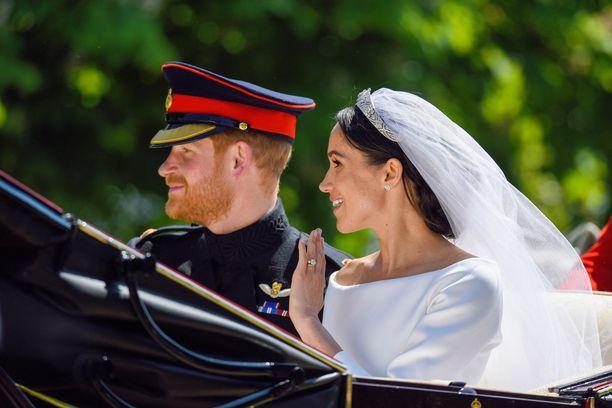 Vielä häissä, keväällä 2018, kihlasormus oli entisellään.
