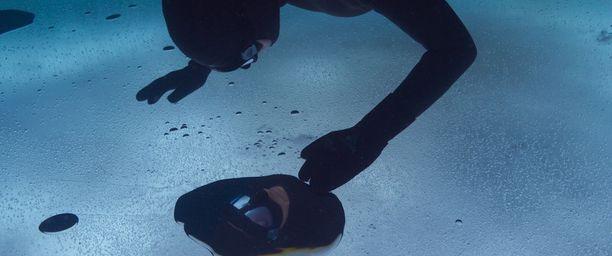 Nordblad tykkää sukellella Suomen vesistöissä, jotka kuhisevat elämää. - Meillä on ihania järviä, jos haluaa mennä katsomaan kauniita paikkoja veden alle.