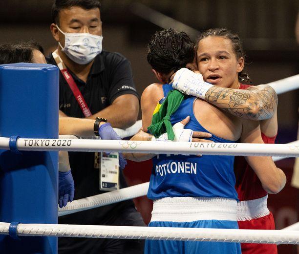 Beatriz Ferreiran ja Mira Potkosen välieräottelu päättyi tunteikkaasti.