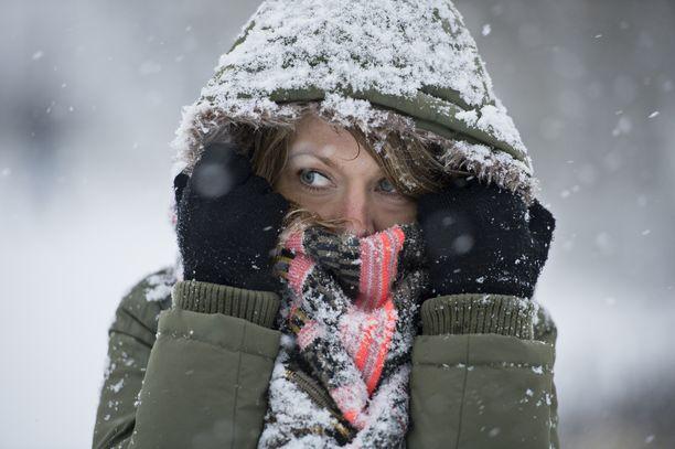 Lähipäivien lämpötilat pysyttelevät etelässä noin kymmenen asteen tuntumassa.