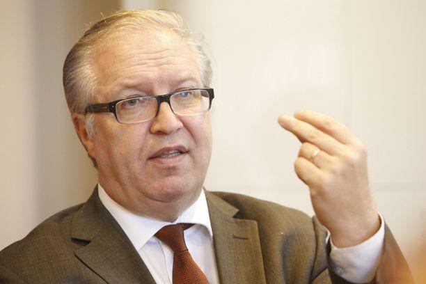 Akavan puheenjohtaja Sture Fjäder ei ole hallituksen toimiin tyytyväinen.