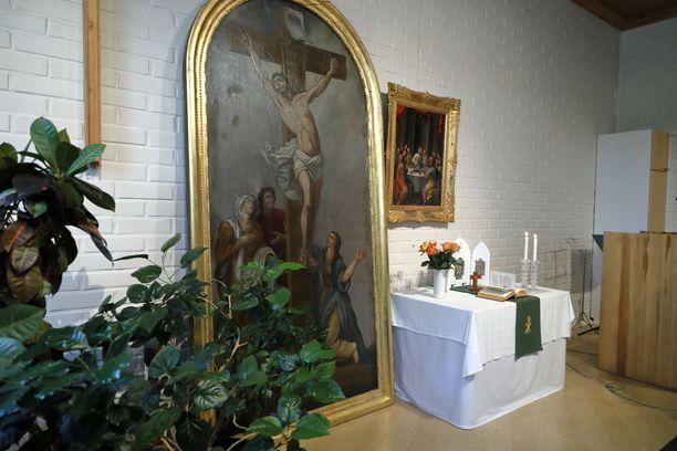 Kiihtelysvaaran kirkon tulipalosta pelastettu alttaritaulu.