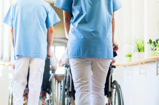 Vanhusten hoito on ollut suuren keskustelun aihe Suomessa viime aikoina.