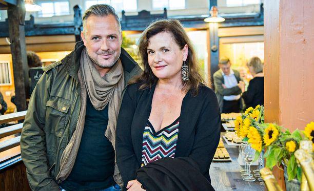 Kouluratsastuksen maajoukkuevalmentaja Marko Björs oli Laila Snellmannin Paparazzi-toimiston listoilla 1980- ja 90-lukujen vaihteessa.