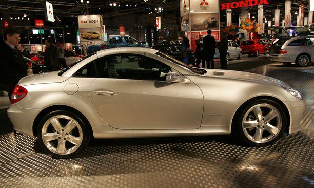 Jos pientä roadsteria tekee mieli, niin Mercedeksen SLK on pärjännyt hyvin sekä vanhojen että uudehkojen autojen katsastuksissa.