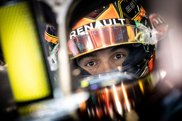 Esteban Ocon lupaa, että tänä vuonna ajetaan lujempaa kuin koskaan.