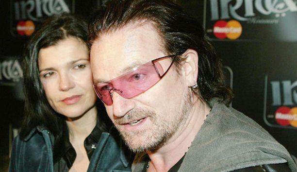 Bono tuntee tulleensa hyväksikäytetyksi.
