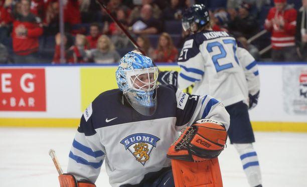 Ukko-Pekka Luukkonen oli vaikeuksissa Suomen maalilla. Kanadan neljäs maali livahti halvalla.