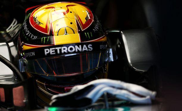 Lewis Hamilton oli ykkönen perjantain ensimmäisissä harjoituksissa.