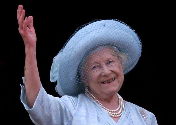 Kuningataräiti Elisabet juhlisti 100-vuotissyntymäpäiväänsä vuonna 2000. Kahta vuotta myöhemmin hän kuoli 101 vuoden iässä.