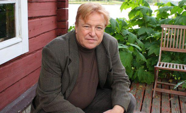Matti Kaarlejärvi saa vihdoin tehdä rehellisesti kotinsa Markku Rossin kotiin.