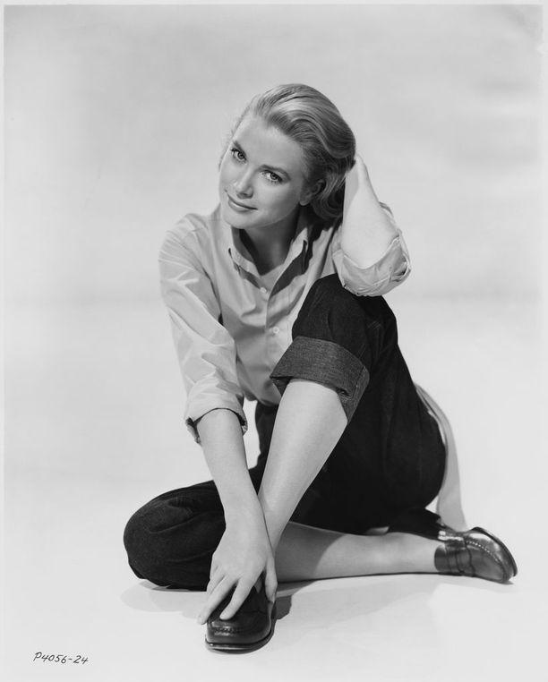 Grace Kelly kuvattuna uransa alkupuolella.