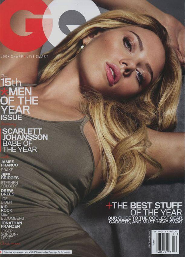 VUODEN BEIBE Seksikkäimmän miehen rinnalla on yksi maailman seksikkäimmistä naisista, Scarlett Johansson.