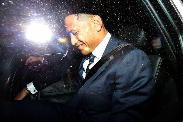 Israel Folau oli toukokuussa rugbypomojen kuultavana kirjoituksistaan, jossa hän tuomitsi homoseksuaalit helvettiin, elleivät nämä kadu. Folau irtisanottiin sopimuksesta, josta hän olisi tienannut neljä miljoonaa Australian dollaria.