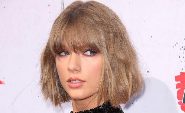 Taylor Swiftin tukka on nykyään huomattavasti vaaleampi.