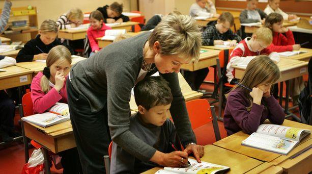 Vantaan alakoululaisten opetusryhmäkoot ovat maan suurimpia.
