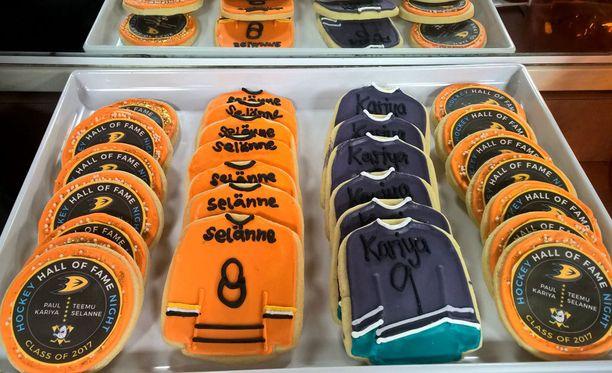 Anaheim huomioi sankarinsa ennen peliä myös leivonnaisten muodossa.