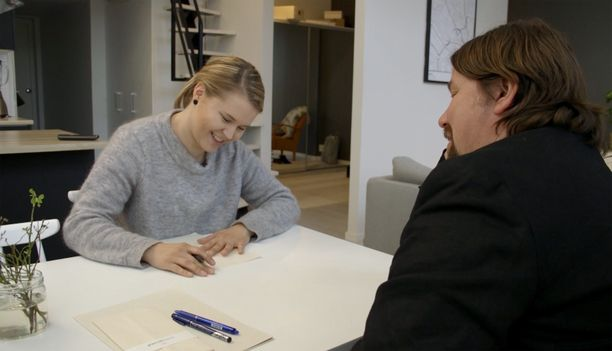 Yksi sinkuista on 28-vuotias lahtelainen Katja, joka on matkustelusta nauttiva insinööri. Hän tapaa Kari Kanalan ennen hääpäiväänsä - ja ennen kuin on tavannut tulevaa aviomiestään kertaakaan.