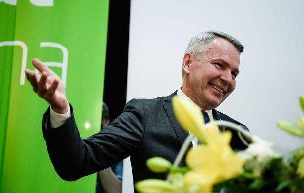 Vihreiden Pekka Haavisto toivoi onnitteluidensa lomassa, että presidenttiparille suotaisiin myös rauhaa julkisuudelta.