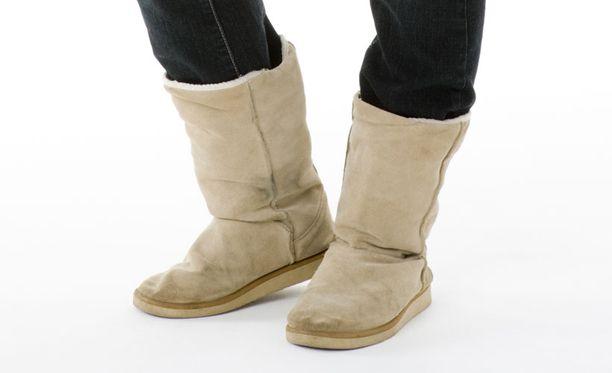 Ugg-kenkä on Australiasta ja Uudesta-Seelannista kotoisin oleva kuvan mukainen lampaannahasta valmistettu saapikasmalli, josta on tullut suosittu erityisesti nuorten keskuudessa viime vuosina.