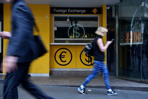 Muun muassa Australiassa kaikki pankit eivät vaihda brittien puntia tällä hetkellä.