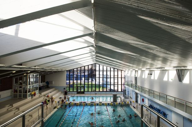 Kuva Pyynikin uimahallista, jonka liepeillä vaarallisen aineen onnettomuus tapahtui keskiviikkona.